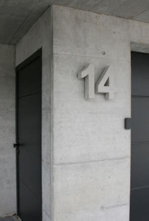 beton hausnummer hausnummer beton arial bold 32 cm beton fabrik