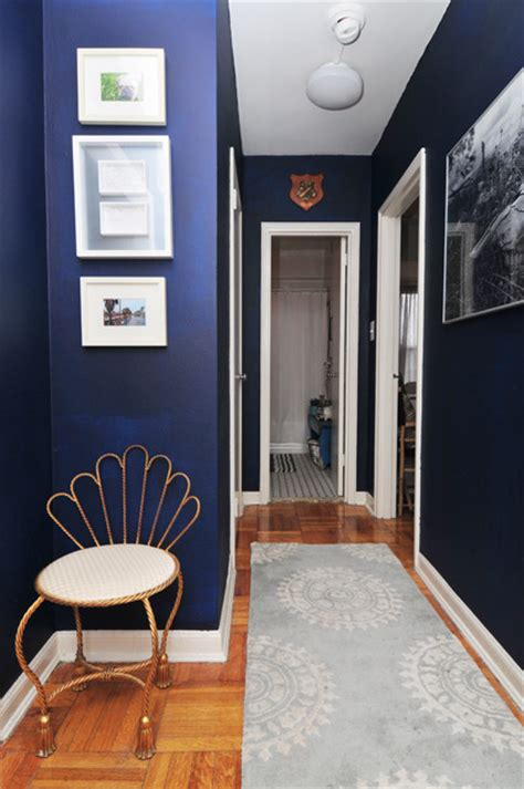 navy benjamin paint for entryway or just anywhere beautiful with the contrast of the