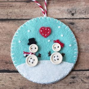 button  felt diy christmas ornaments cutesy crafts