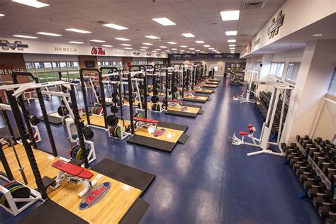 Design Home Weight Room Arms Race Photos Of Top Weight Rooms In College Football