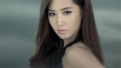 h yuri snsd project kwon yuri open book with missing pages