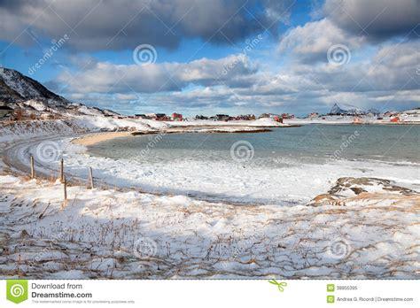 fotos invierno playa paisaje de noruega del invierno playa congelada de