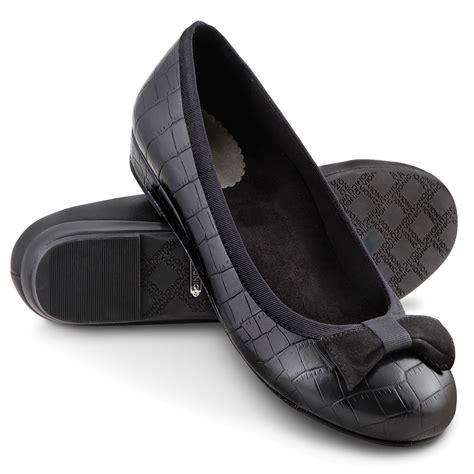 flat shoes for plantar fasciitis the plantar fasciitis bow flats hammacher schlemmer