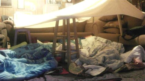 couch fort sofa fort forts and tee pees pinterest