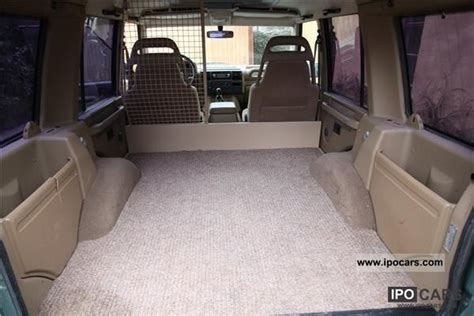 land rover discovery   van car photo  specs