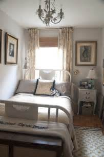 tips small bedrooms: few useful decorating ideas for small bedrooms