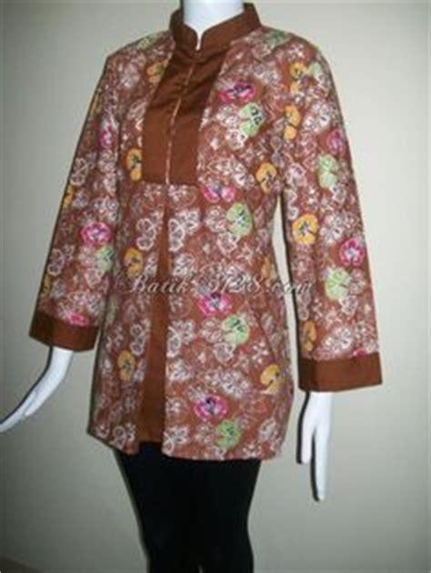 Blouse 1002 Atasan Baju Wanita model blazer batik untuk wanita kantoran trend baju batik terbaru models and blazers