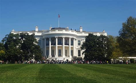 white residence driver arrested near white house grounds claimed to have a