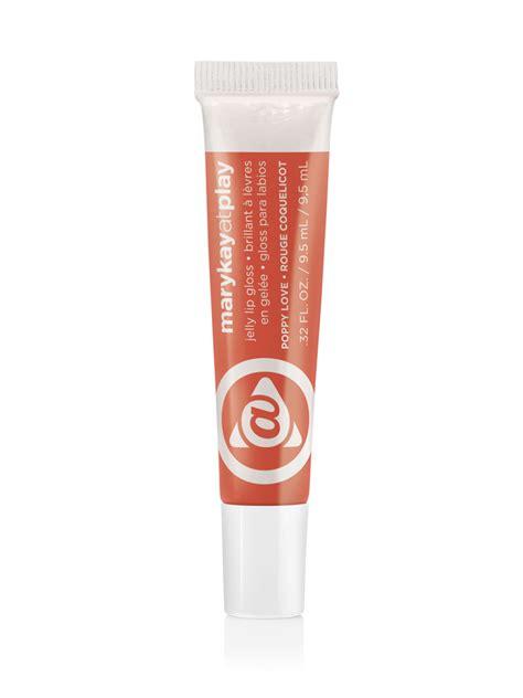 Poppy Satin Lip Crayon brillant 224 l 232 vres en gel 233 e at playᴹᴰ