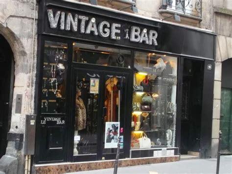 vintage bar shopping in le marais