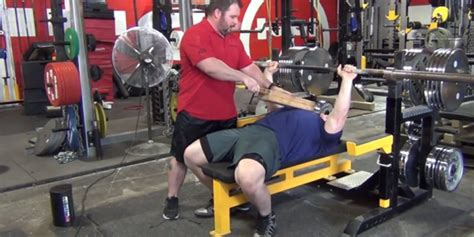 how to bench 225 how to bench 225 28 images bench press 225 lbs youtube