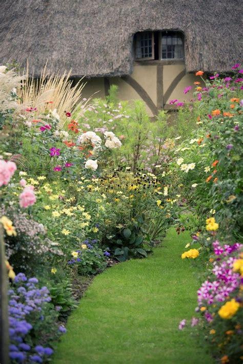 best 25 english cottage gardens ideas on pinterest