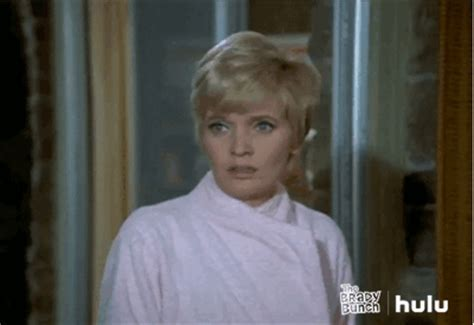 Florence Henderson No By Hulu Find Share On Giphy