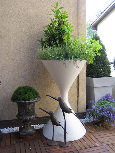 Mid Century Modern Outdoor Planters by Mid Century Modern Architectural Hourglass Spindel Planter