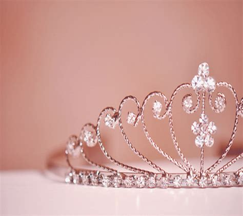princess crown wallpaper for iphone
