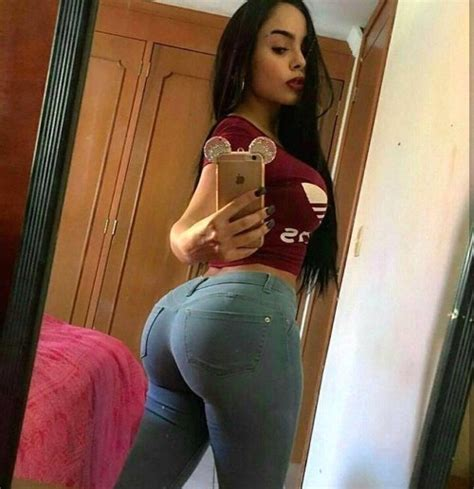 average woman selfie collection normal 01092017114347 photozi com