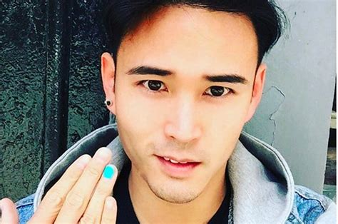 men painting their nails the heartbreaking reason these men are sharing photos of