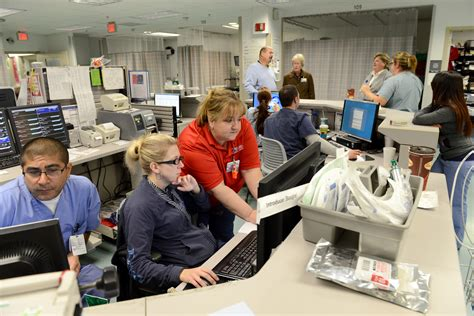 st macomb emergency room crowded er images