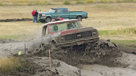 country music video mudding mudding she s country youtube