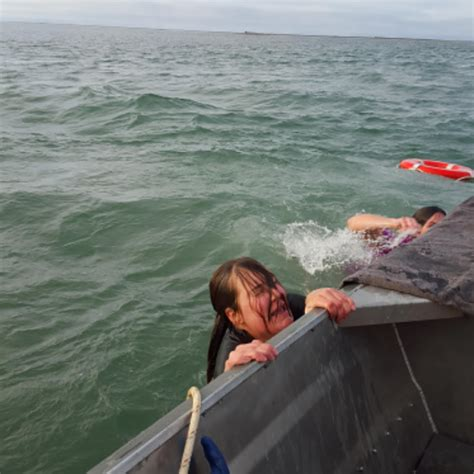 adventure unfiltered top 10 photos of people falling out - Boats Unfiltered