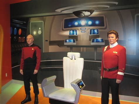 Star Trek Captains Chair by Madame Tussaud S Hollywood Adds Captain Picard Wax Figure