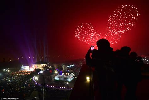 new year celebration in seoul the uk welcomes in new year s 2016 with 12 000