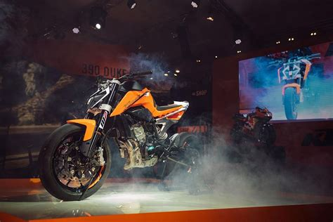 Ktm Tiger Rainbow Ktm Kacamata Trail Tiger Rainbow ktm shows the 790 duke in tire shredding