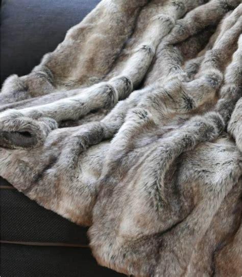 Plaid En Fausse Fourrure plaid fausse fourrure gris 150 x 170 cm plaid addict