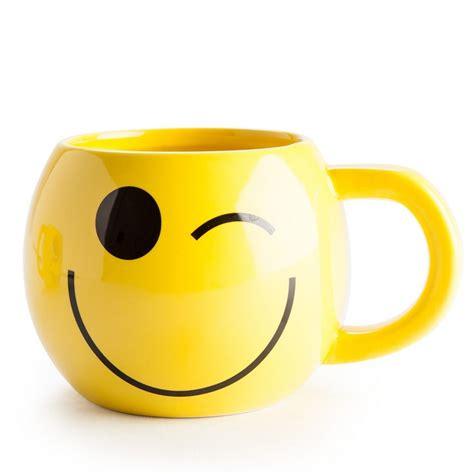smiley winky mug