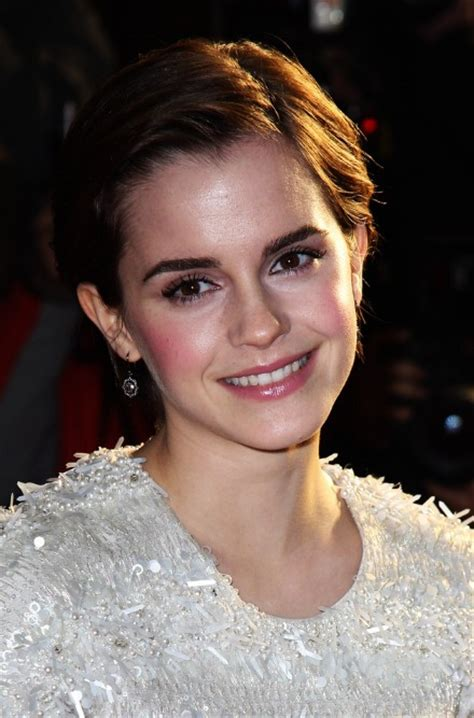 sides combed back bob hairstyles cute side parted combed back bob cut emma watson short