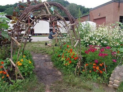 School Gardens Ideas School Front Garden Ideas 14 Outstanding School Garden