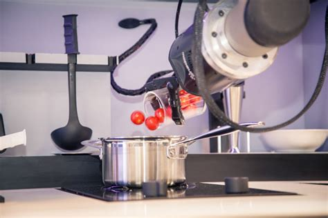 Robot Kitchen by Robotic Kitchen To Give Every Home Access To A Personal