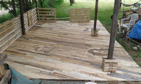 Patio Fu by Shipping Pallet Deck Www Pixshark Images Galleries