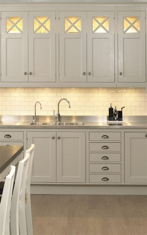 28 ingenious kitchen cabinet lighting solutions