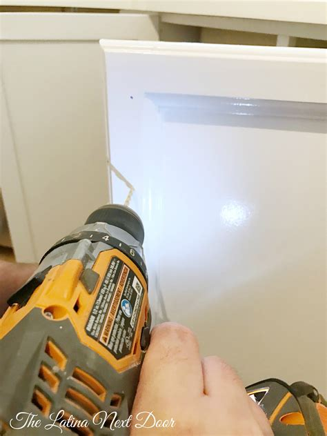 how to paint kitchen cabinets the latina next door how to paint kitchen cabinets the latina next door