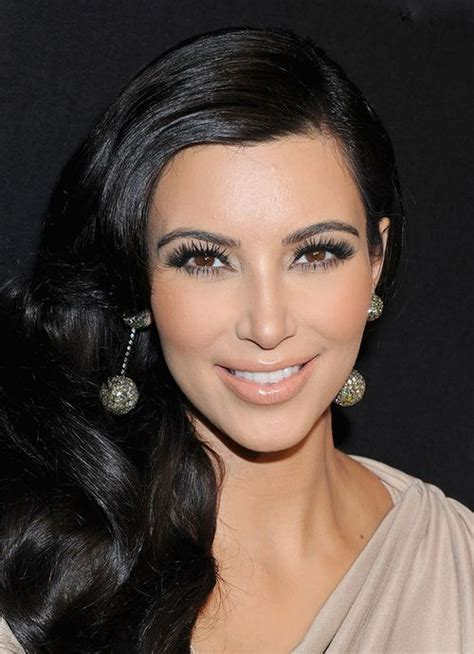 an unhealthy obsession on pinterest kim kardashian lashes and side swept hair long lashes and nude lips makeup