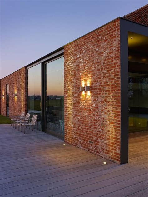 Modern Brick House by The 25 Best Ideas About Modern Brick House On Pinterest