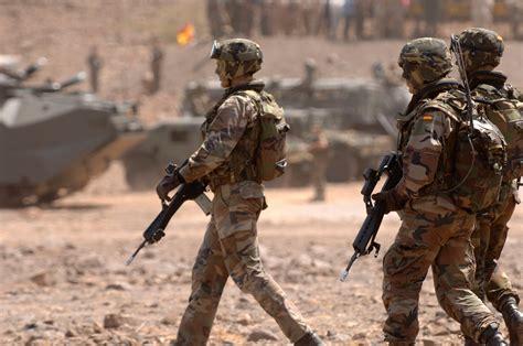 R 2004 Ala Army 020mag revista de airsoft quot triunfar o morir quot
