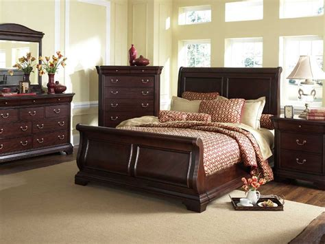 broyhill bedroom furniture sets broyhill furniture chateau calais collection cherry sleigh