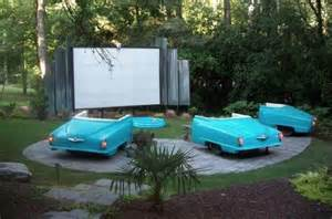 diy backyard theater 1000 ideas about backyard theaters on