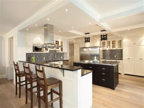 important features in kitchen island designs