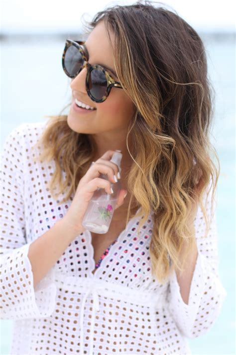 easy beachy waves hair tutorial diy sea salt spray diy sea salt spray for beachy waves the everygirl