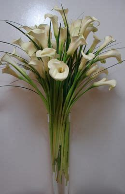 calla table l calla centerpiece large 20 inch pilsner flowers