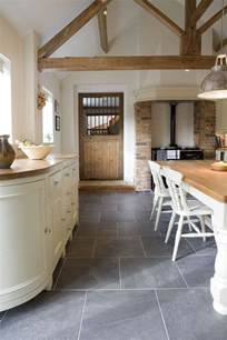 Slate Kitchen Floor Blueish Grey Slate Tiles Use Throughout Entire Floor And Then Amazing Fluffy White