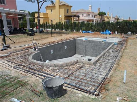 Délicieux Construire Une Piscine A Debordement #4: piscine-beton.jpg