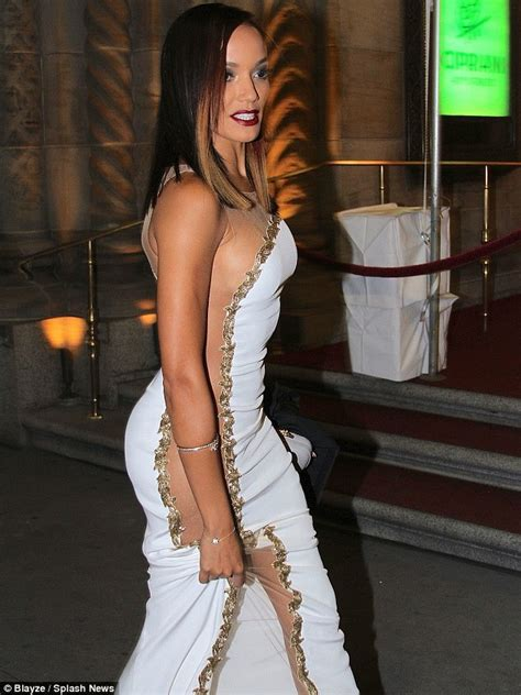 women in dresses without underclothes photos selita ebanks struggles to protect her modesty in white