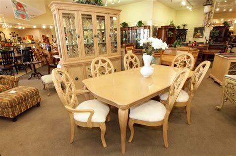 pin  divine dining rooms kitchens