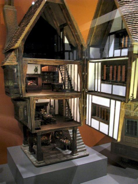 tudor dolls houses 1000 images about tudor doll s house on pinterest queen