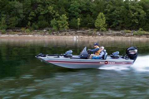 bass tracker boat videos tracker boats bass panfish boats 2019 bass tracker