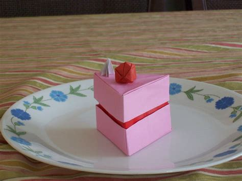 Cake Origami - origami cake box by thefifthhorizon on deviantart